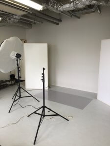 お手伝い、某撮影スタジオにて。