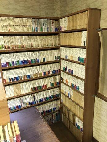本棚に入った本
